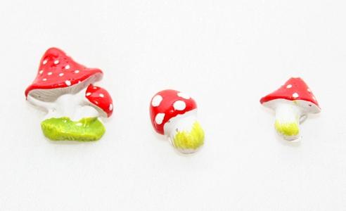 36 Funghetti Con Adesivo Assortiti