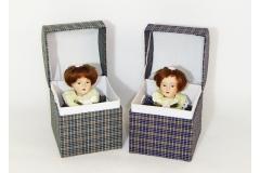 Bambola Porcellana Con Scaola
